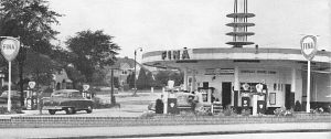 Rondelle Fina Service Station in Birmingham in the 1950s